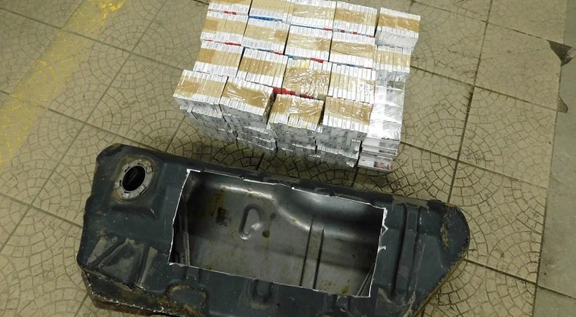 Zamiast paliwa w zbiorniku Białorusin wiózł 90 kartonów papierosów