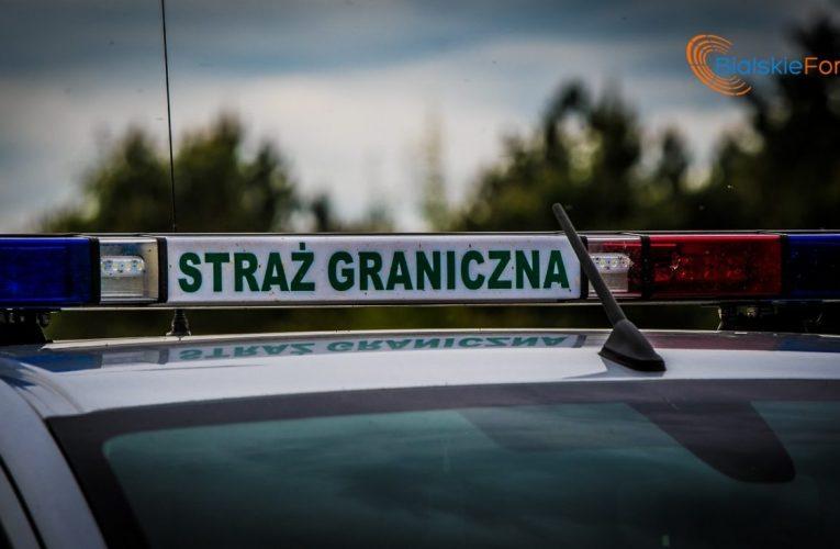 Strażnicy Graniczni kontrolują liczniki w autach