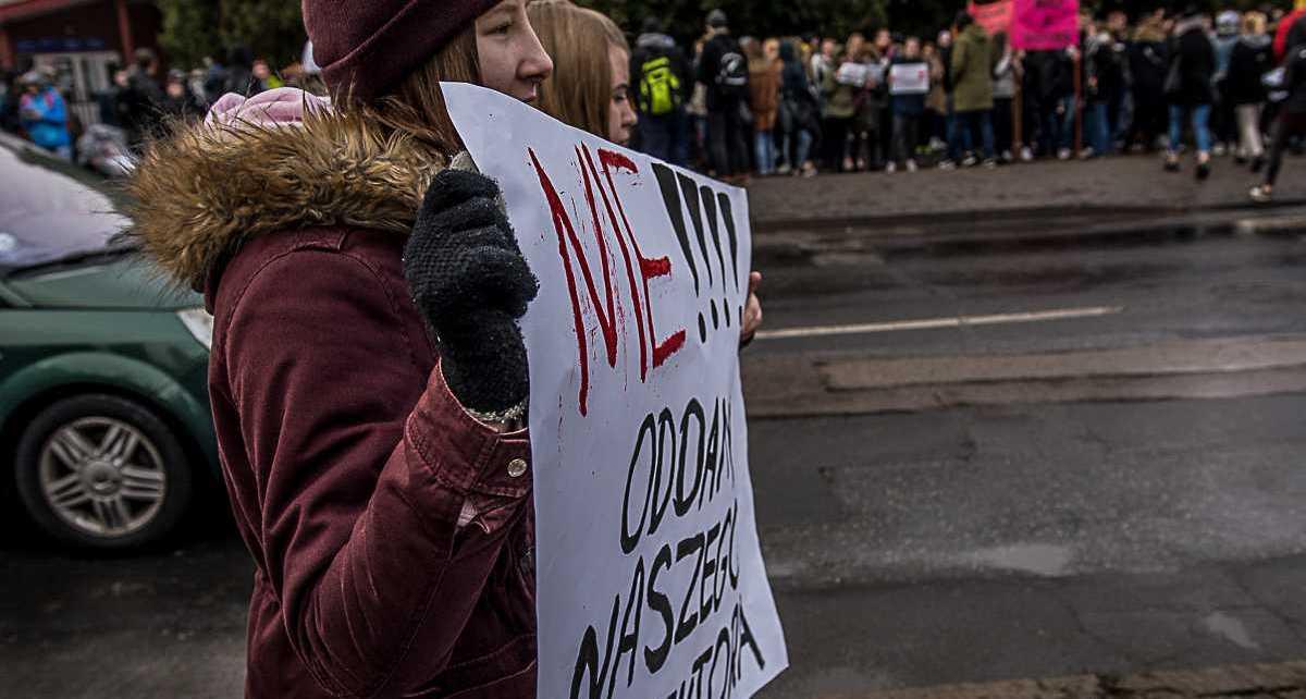 Protesty w Szkoły ZDZ im. Krzysztofa Kamila Baczyńskiego w Białej Podlaskiej
