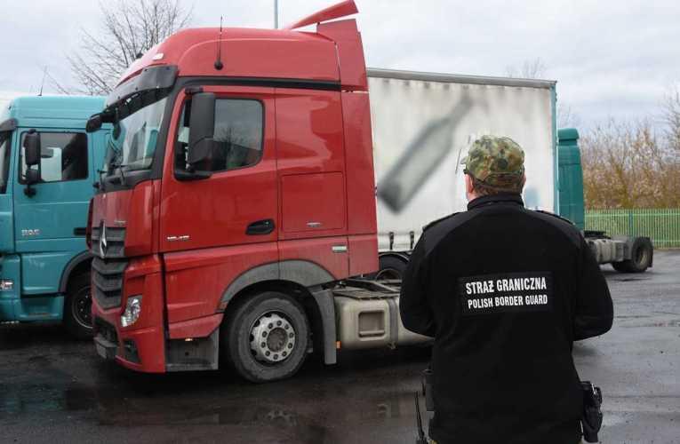 Odzyskane ciężarówki w Kukurykach