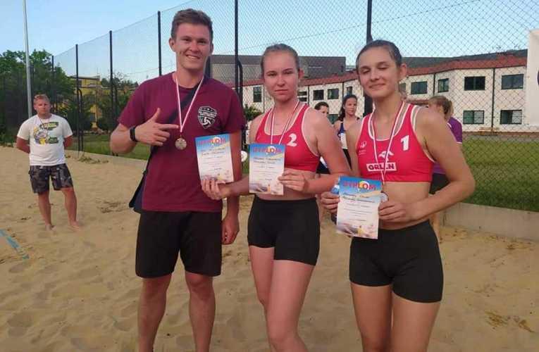 Srebrny medal w siatkówce plażowej