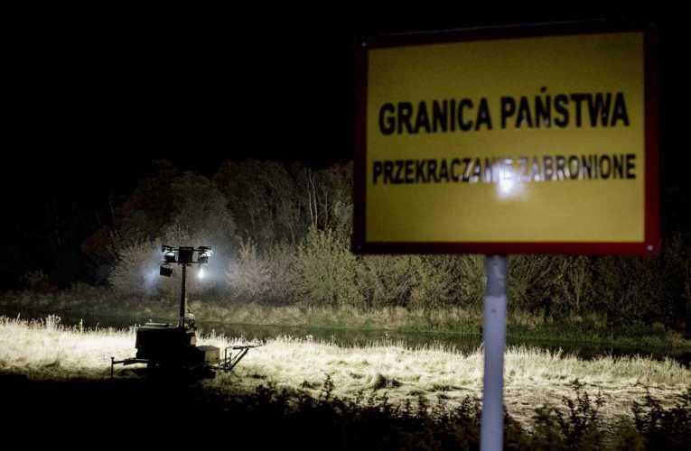 Maszty oświetleniowe na granicy