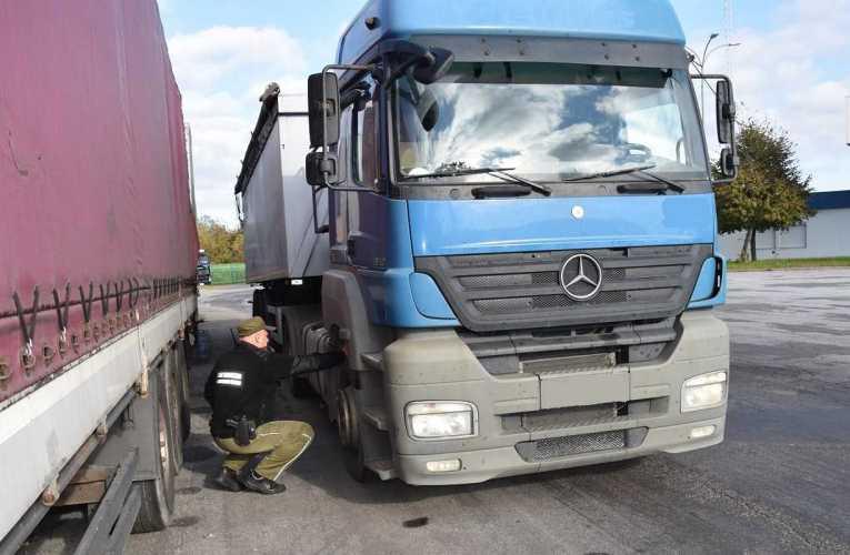 W Kukurykach odzyskano skradzioną ciężarówkę