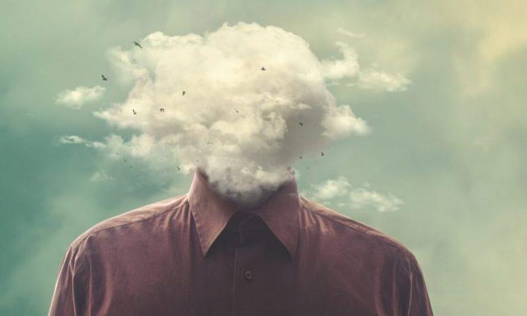 Brain fog: cos'è e come si combatte l'annebbiamento mentale