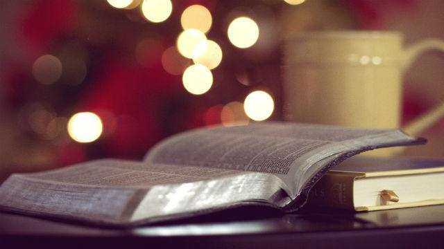 un libro si chiama la bibbia