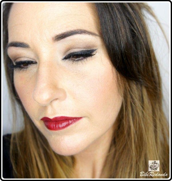 Maquillaje con marrones y labios granates - Bobbi Brown Cosmetics