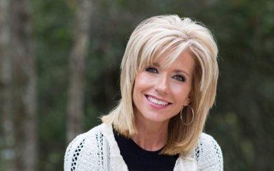 43 Breathtaking Beth Moore Quotes