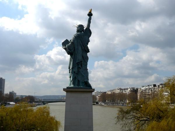 Statue de la Liberté sur la Seine