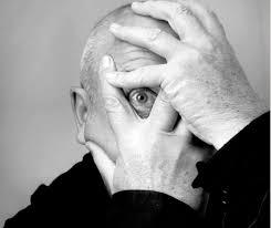Peter Gabriel  Oeil Illuminati et pyramide inversée