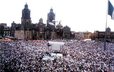 Cierre de campaña del entonces candidato a la República, Vicente Fox.