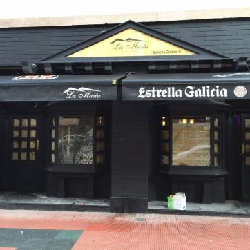 Rótulo para fachada Estrella Galicia y Toldos