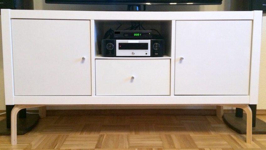 un meuble tv moderne avec les meubles