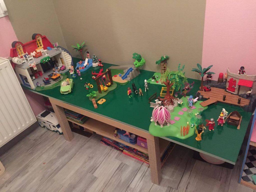Une Table De Jeu Playmobil En 2 Temps 3 Mouvements