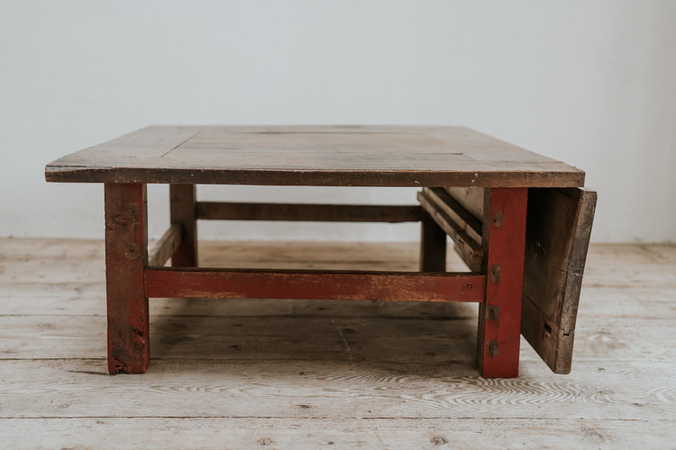 quirky coffee table walnut top