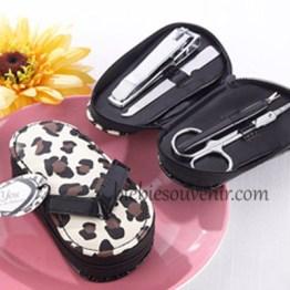 souvenir pernikahan unik cheetah sandal manicure set