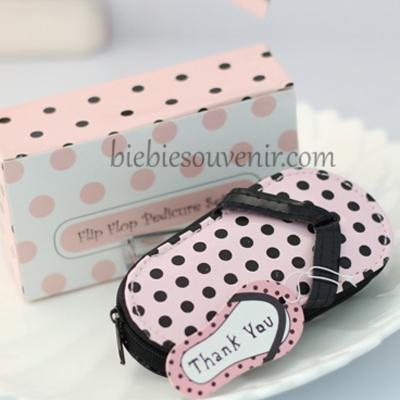 souvenir pernikahan sandal polkadot manicure set
