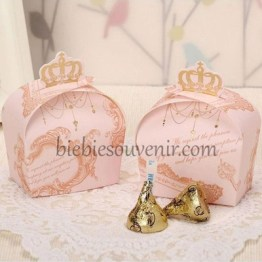 Pink crown candybox