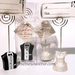 souvenir pernikahan bride and groom photoholder