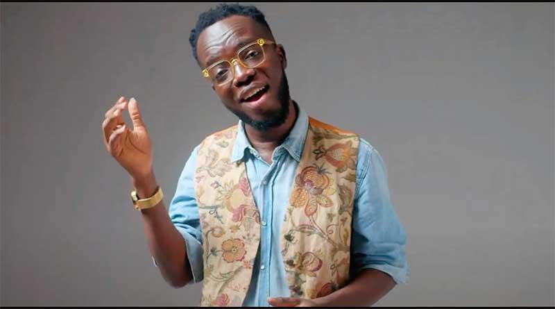 Akwaboah performing Ensesa Music Video