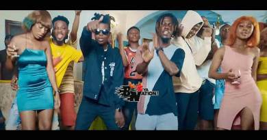 King Paluta ft Strongman and Arta Kwame performing Lifestyle Akohwie Music Video directed by Mr Twist, song produced by Joe Kole Beatz.