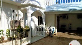 Casa con Apartamentos Rentables | La Otra Banda