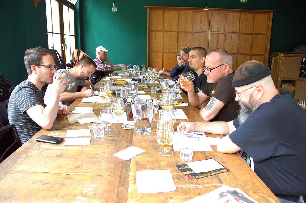 Jury für die besten Schweizer Lagerbiere Blind Testing