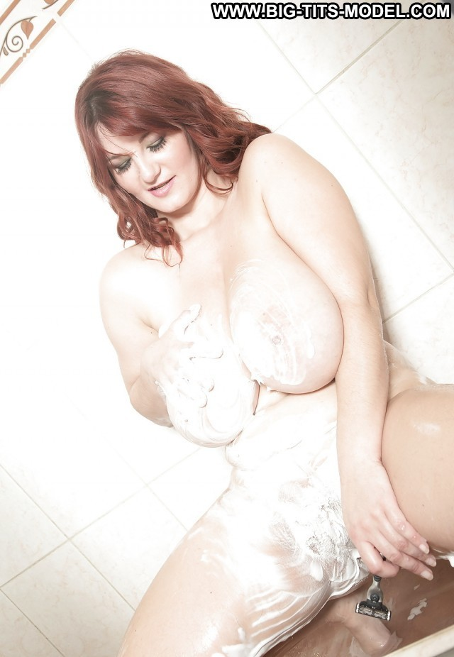 Enola Private Pictures Shaving Bathroom Hairy Big Boobs Hot