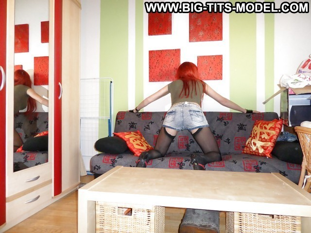 Juliann Private Pictures Milf Redhead Hot Big Tits Boobs Emo Jeans