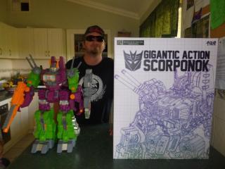 Toy Review - Gigantic Action Scorponok