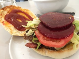 Meat Review – The TRADIE Burger, The TRUCKIE Burger & The MALLEE BOMB!