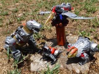 Toys Review: POTP Dinobots - Wave 1