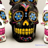 Delightful 'Day of the Dead' party skulls can hold your pipes, accessories and rest your small smokes.