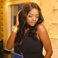 Simi Finally Shows Off Her Baby Bump For Adekunle Gold