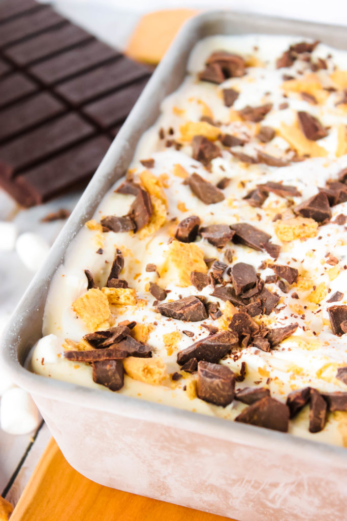 No Churn S'more Ice Cream - The love affair with no-churn ice cream continues as we dance into summer with this amazing No Churn S'more Ice Cream!