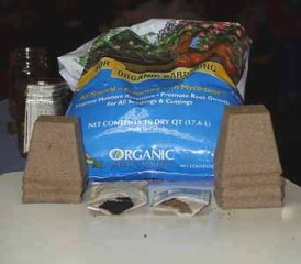 organic seed starting, peat pots, seeds, seed starting mix