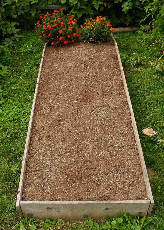 cama elevada lista para plantar