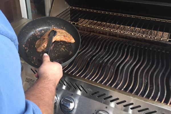05 frying pan to BBQ