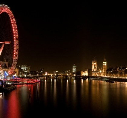 Experience London: Enjoy a Romantic Date on a Riverboat Dinner Cruise