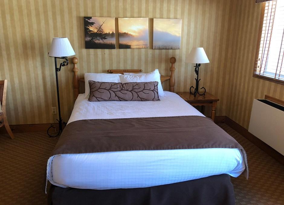 Bayview Wildwood main bed