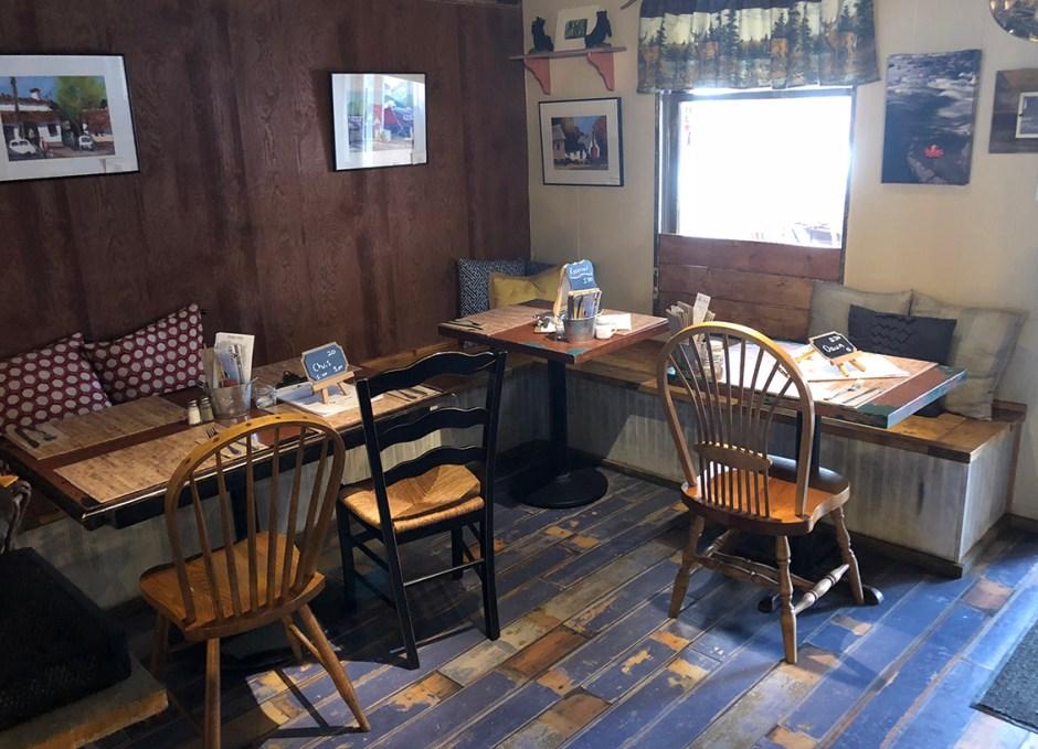 R Cottage restaurant interior