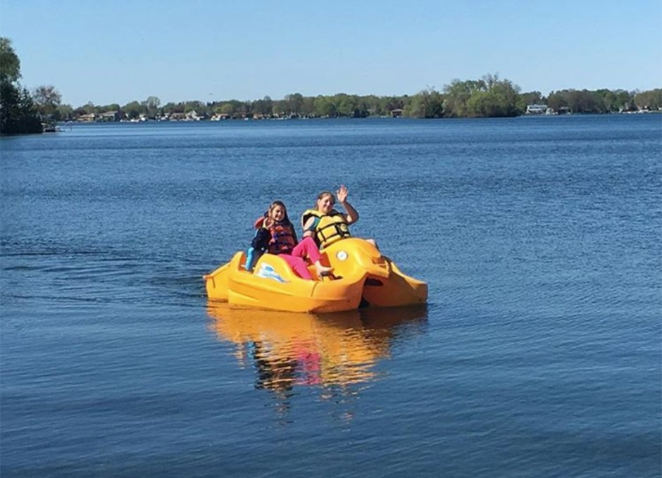 ontarios lake country paddleboat