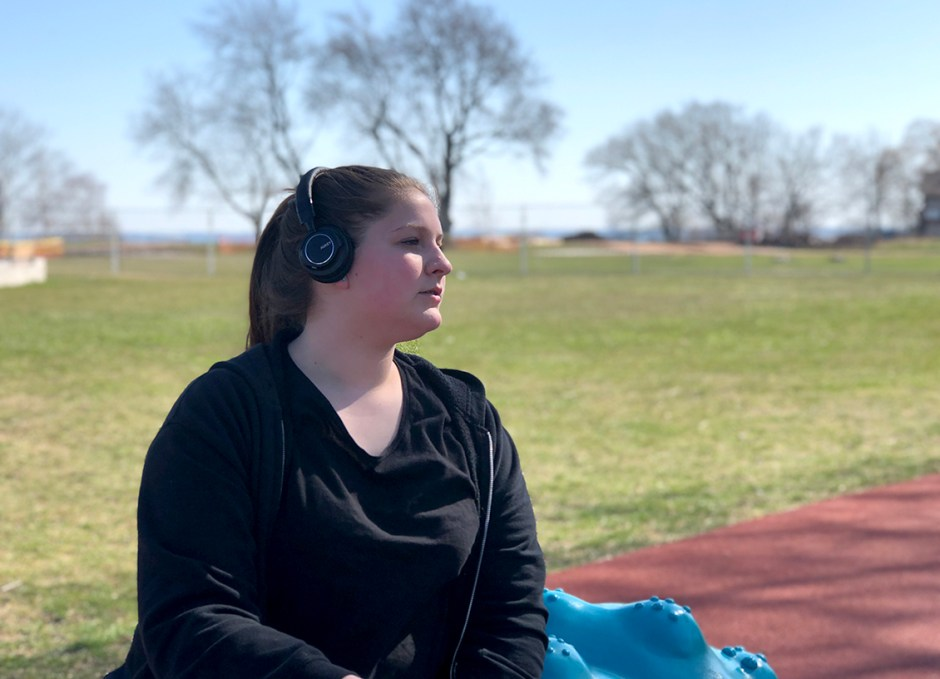 EP-B36 Bluetooth Headphones Rachel at the park