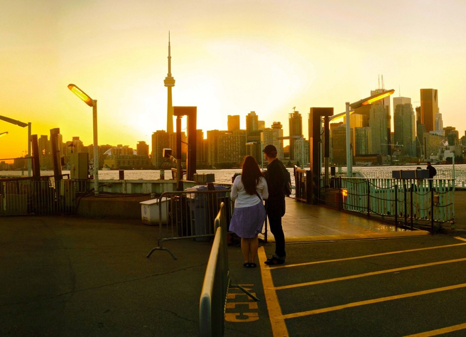 toronto islands ferry dock
