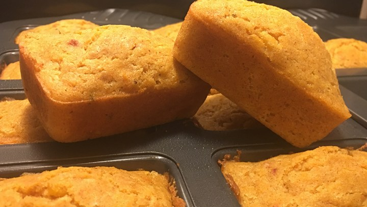 A Taste of the South: Buttermilk Cornbread Mini Loaves. #recipe