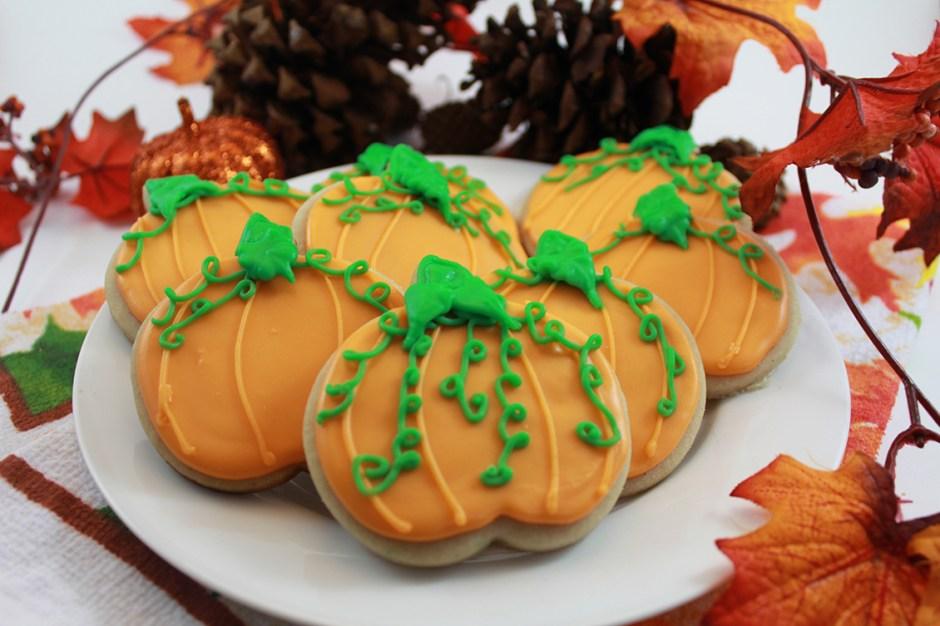 07 Pumpkin Cutout Sugar Cookies Halloween Treats 2018