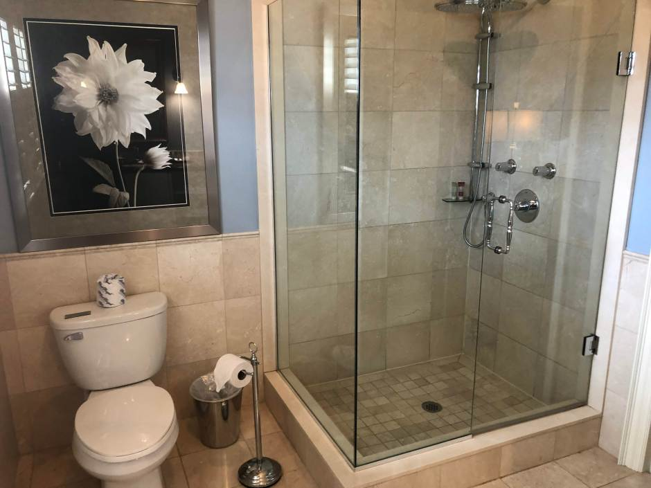 rawley resort glass shower