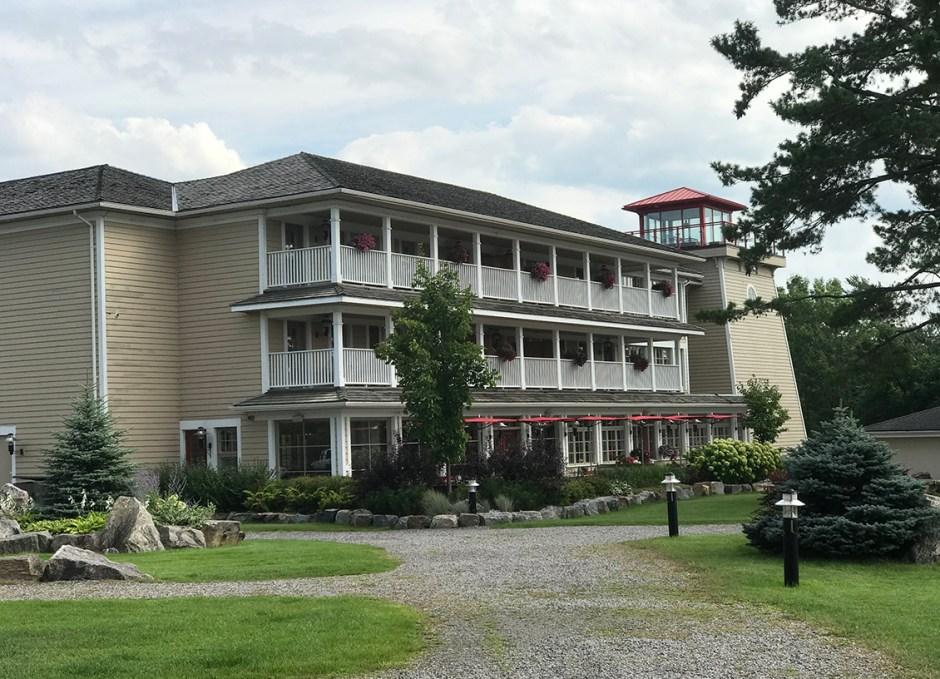 rawley resort the suites