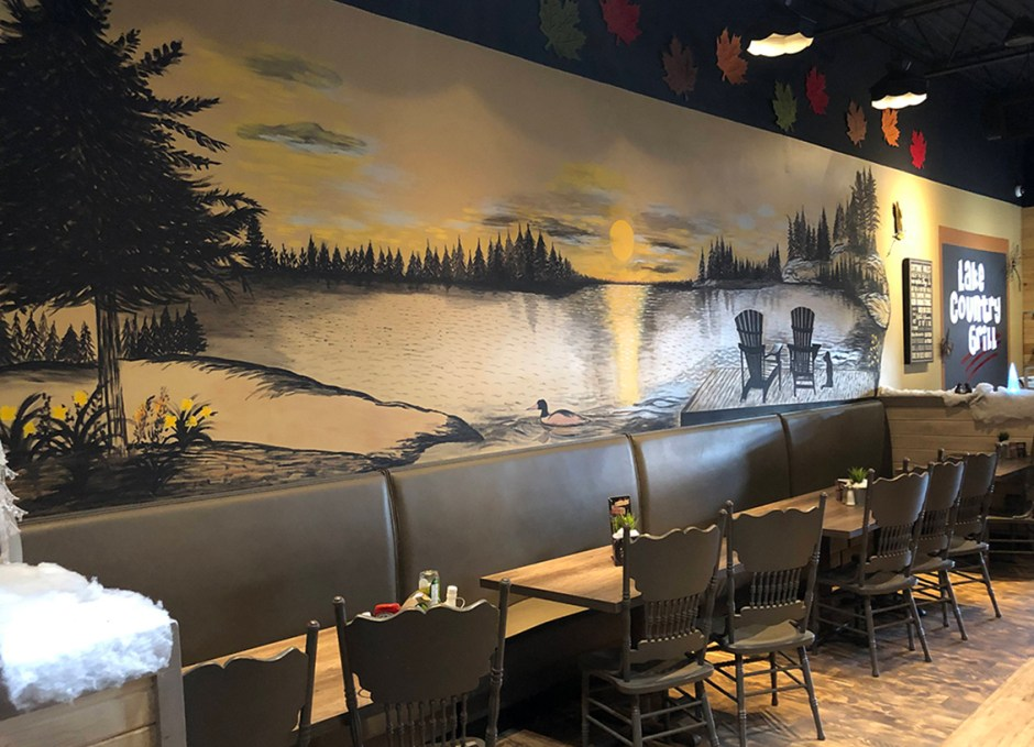 Lake Country Grill mural
