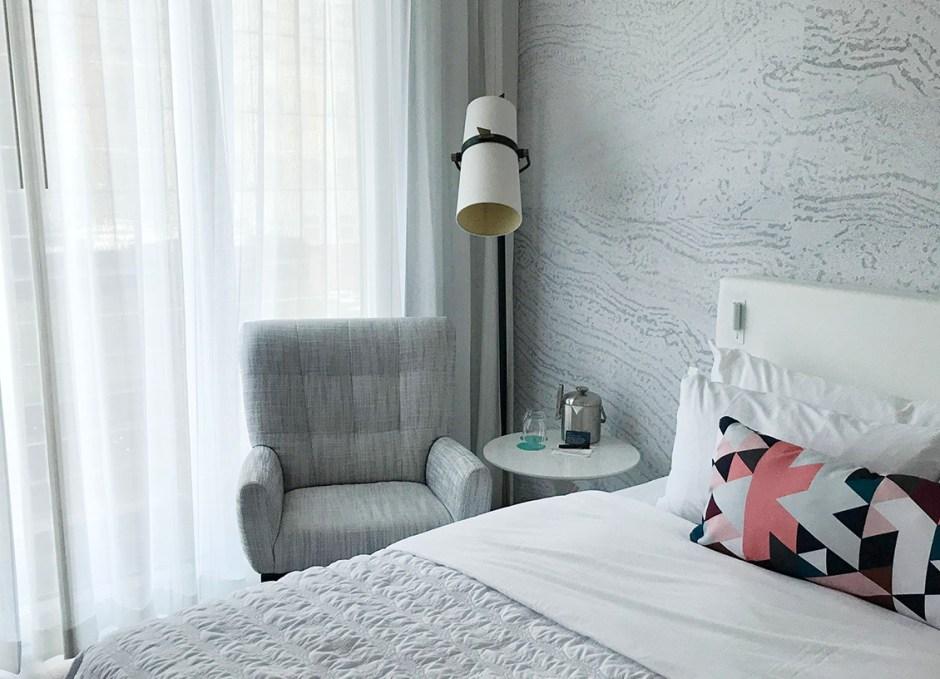 Le Méridien Downtown Denver furniture in room