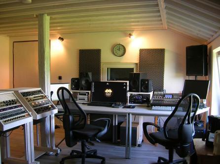 Studio (24)
